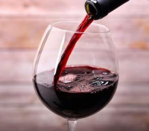l-astuce-du-jour-le-vin-rouge-pour-garder-une-bouche-en-bonne-sante
